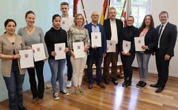 Deutsche Staatsbürgerschaft an zehn Bewohner aus dem Landkreis verliehen