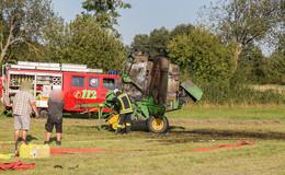 Einsatz für die Feuerwehr: Landwirtschaftliches Gerät brennt