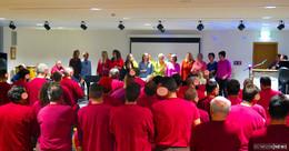 Advent in der JVA: Gospelmusik und Nikolausgrüße aus dem Knast