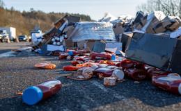 Ketchup-Laster umgekippt: Kilometerlanger Stau auf der A66