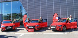 Kunden im Glück: Drei nagelneue rote Audi A3 Sportback gewonnen