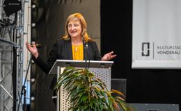 Feierliche Ausstellungseröffnung: 75 Jahre Verfassung in Hessen und Fulda