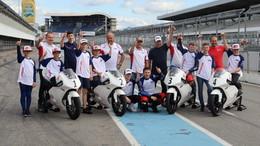 Valentino Herrlich trifft deutschen Moto2-Weltmeister Stefan Bradl