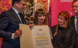 Johanna Maxl erhält ersten Literaturpreis der Stadt Fulda