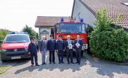 200.000 Euro für neues Feuerwehrhaus: Innenminister Beuth übergibt Bescheid