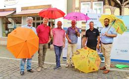 """""""Die Schirm´ für alle"""": Bunte Schirme für den guten Zweck"""