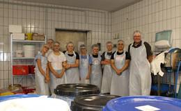 Zehn Schülerinnen und Schüler sammeln Erfahrungen bei Fehrmann