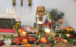 Geschmückte Altäre und feierliche Gottesdienste - Über 40 Leserbilder