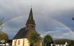 Regenbogen über Ludwigsau: Pilze sprießen, Blätter fallen