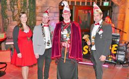 Mit der Rikscha auf den Prinzenthron: Prinz Ingo führt die Großentäfter an