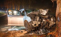 Schwerer Unfall bei Sargenzell: 18-Jähriger prallt mit Pkw frontal gegen Baum