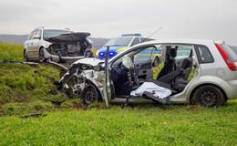 Schwerer Verkehrsunfall: 54-Jährige bei Frontalzusammenstoß schwer verletzt