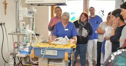Notfall- und Reanimationstraining für Säuglinge an der Helios St. Elisabeth Klinik