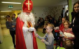 Nikolaus lässt Kinderherzen im Klinikum und am Wasserturm höherschlagen
