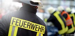 Brand in Wohnhaus: Rauchgasvergiftung bei Hauseigentümer und Sohn