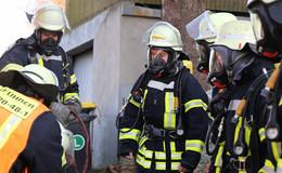 Heißes Ofenrohr entzündet Balken - Brand in Wohnhaus