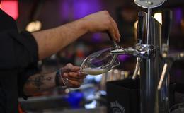 Großbrauereien erhöhen Bierpreise im März - Hochstift-Pils bleibt stabil