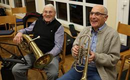 Posaunenchor Altenburg gratuliert Manfred Braun zum 80. Geburtstag