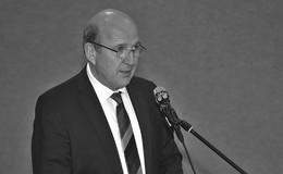 Schülerinnen und Schüler trauern um ihren ehemaligen Direktor Mathias Dickhut