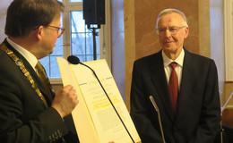 Stadt Fulda gratuliert Günter Sagan zum 80. Geburtstag