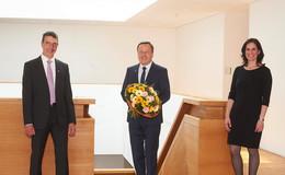 Hochschulpräsident Prof. Dr. Karim Khakzar für dritte Amtszeit wiedergewählt