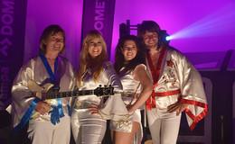 ABBA spielt in Friedewald: Studio bietet hochqualitative Online-Konzerte