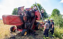 Einsatz für die Feuerwehr: Zwei Mähdrescher fangen Feuer
