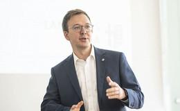 CDU, CWE und FDP sagen: Vize-Landrat Frederik Schmitt soll bleiben