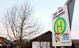 ADAC rät davon ab, seine Kinder mit dem Auto zur Schule zu bringen