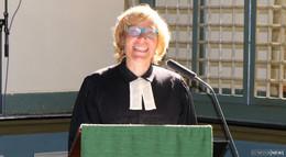 Dr. Katrin Stückrath offiziell als Pfarrerin in Altenschlirf begrüßt