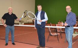 Tennisabteilung des TSV Bebra spielt jetzt auf gelenkschonendem Hallenboden