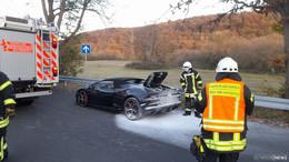 Ursache noch unklar: Feuerwehr kann Vollbrand bei Lamborghini vermeiden