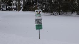 Zugefrorene Seen sind trügerisch - Gewässer auf keinen Fall betreten!
