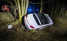 Weiter unklare Ursache: Porsche-Fahrer stirbt bei schwerem Unfall