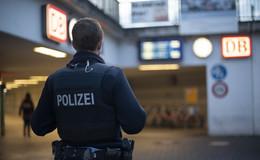 50-Jähriger rastet in Regionalbahn aus - zwei Personen leicht verletzt