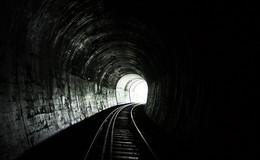 Lokführer entdeckt 29-jährige Gleisläuferin im Tunnel