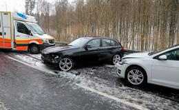 Schwerer Frontalunfall nahe der Schwedenschanze: Zwei verletzte Personen