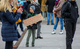 Querdenker-Demo: Wirre Fantasien und strafrechtlich relevante Behauptungen