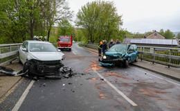 Frontalcrash auf der L3141 bei Hainzell - zwei Frauen schwerverletzt