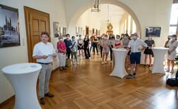 Marienschülerinnen zeigen im Stadtschloss bildhaft die Neue Normalität