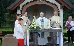 10 Jahren Wegekapelle Döngesmühle - Feierlicher Gottesdienst mit Weihbischof