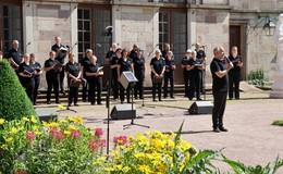 Von Wald und Wasser: Konzertchor Winfridia begeistert im Schlossgarten