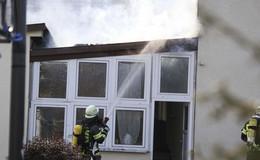 Löscharbeiten nach Brand in Wintergarten - technischer Defekt?
