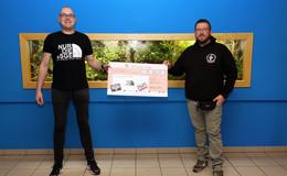 Fans der Frankfurter Eintracht unterstützen Tümpelgarten: 700 Euro für Scalare