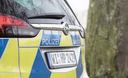 Kind (10) prallt mit Fahrrad gegen Auto: Schwerverletzt in Klinik geflogen