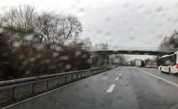 Umgestürzte Bäume sorgen in Osthessen für Verkehrsbehinderungen