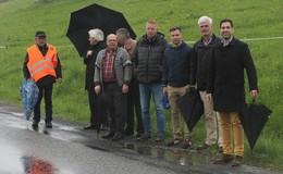 Bürgermeistertreffen an der Landesgrenze: Landstraße im desaströsen Zustand
