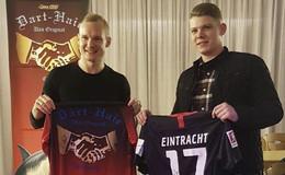 Eintracht-Star Sebastian Rode trifft Dartspieler Nico Kurz im Schützenhaus