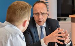 Peter Beuth ist als Minister untragbar! - Opposition fordert Rücktritt