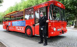 Er rollt wieder: Fahrender Musik-Bus begibt sich auf Tour durch Innenstadt